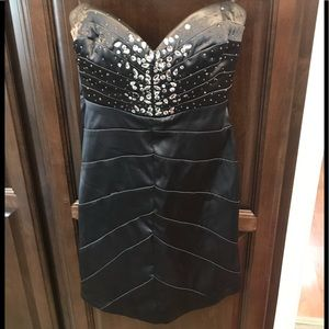Gray strapless party dress with crystals. Size 3